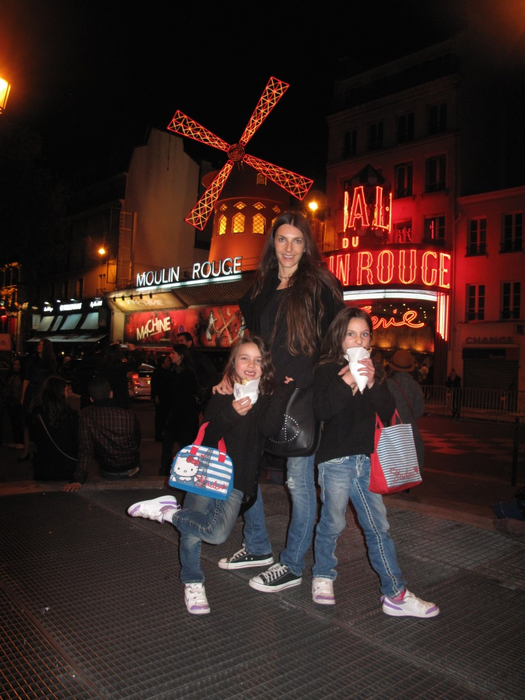 Girls at the Moulin Rouge