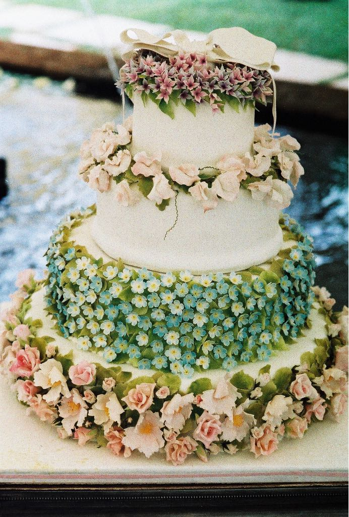 Karen wedding cake