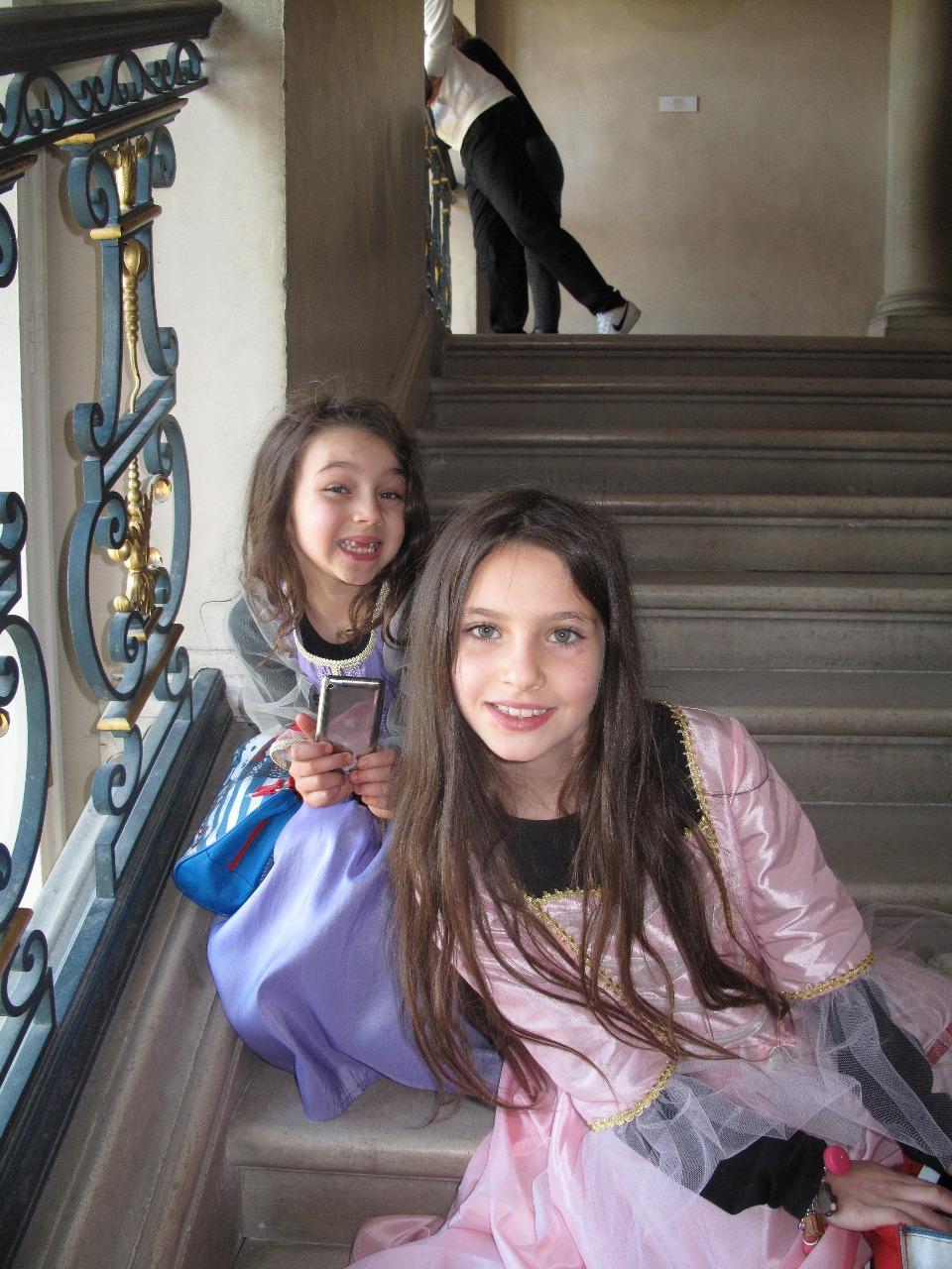 Saffron and Scarlett in Vaux